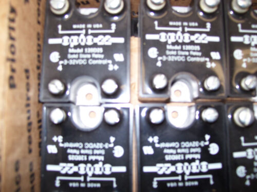 Solid State Relay  OPTO 22  240D10-17  Crydom