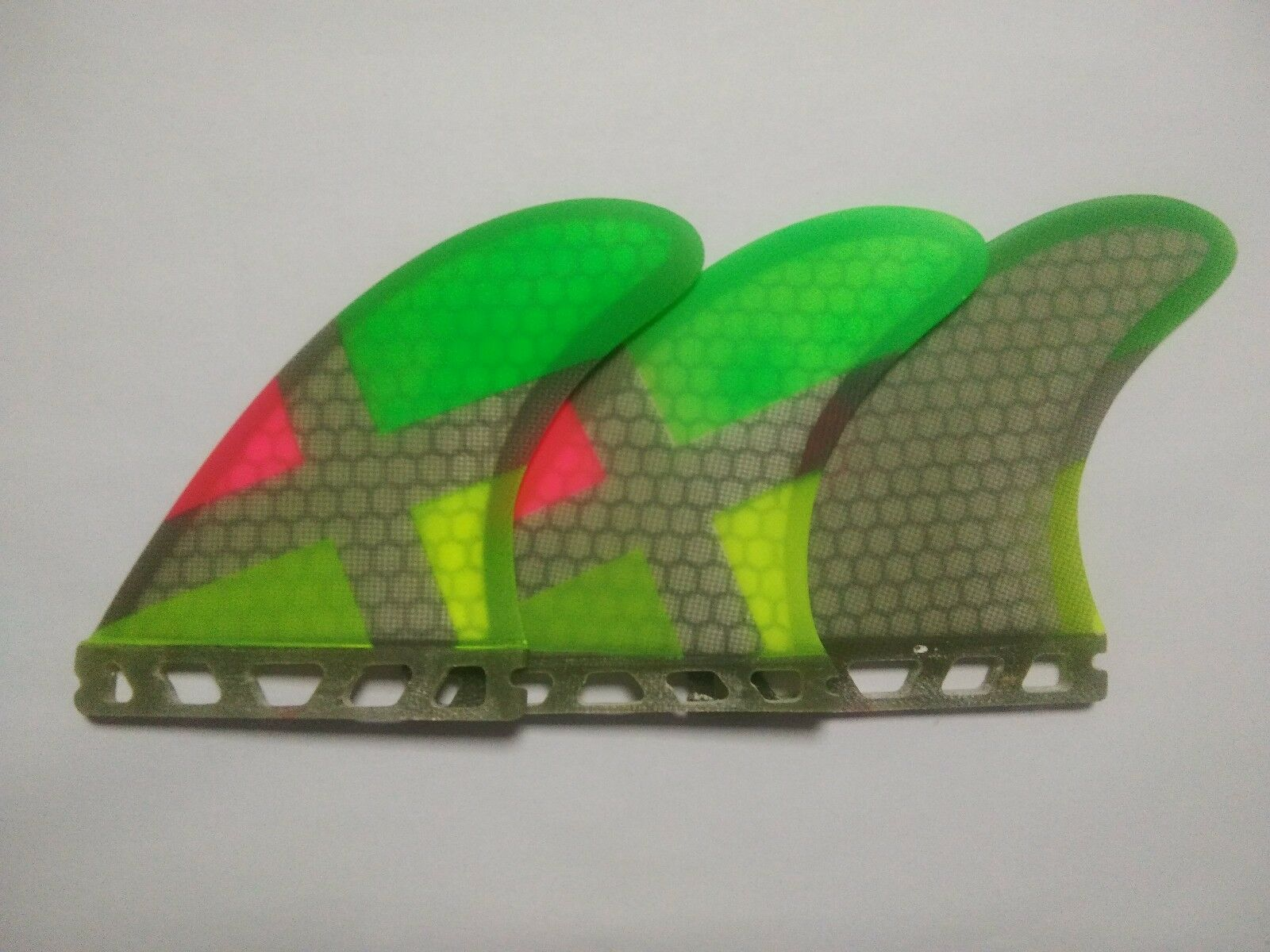 New Performance Surfboard Fins Perfect Flex with Honeycomb-Futures colorful Tri