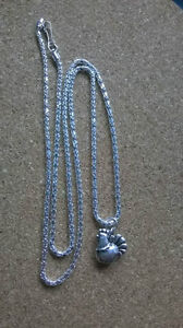 21-034-Silver-Plated-Necklace-with-Tibetan-Silver-Chicken