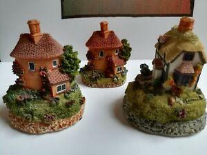 Leonardo-Lilliput-Lane-Cottages