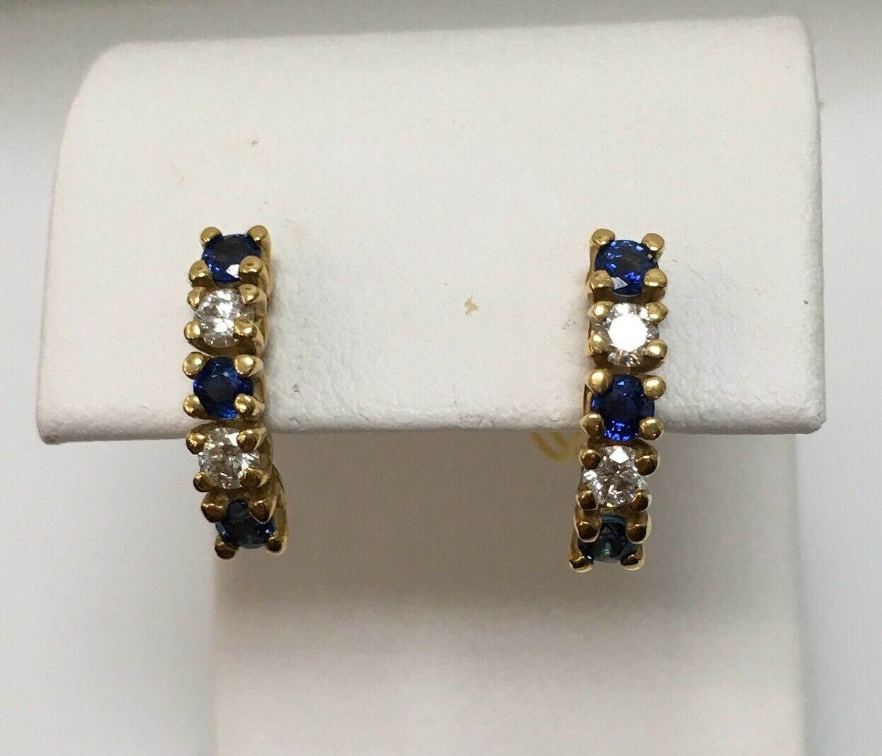 18k Y gold Earrings 6 Sapphire .90ct. 4 Round Brilliant Cut Diamonds .40ct. G VS