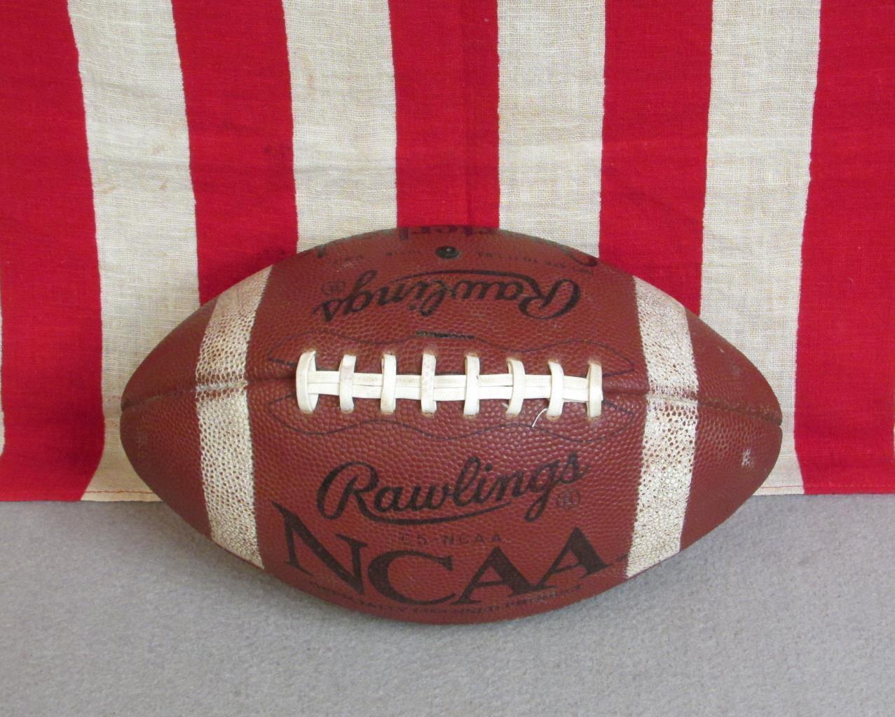 Clásicos Rawlings Cuero NCAA Fútbol Oficial Oficial Oficial Cordones Quarterback C-5 Modelo Bola 69aebf