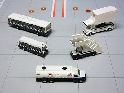 Gemini Jets Airport Service Vehicles 1/200 G2APS450