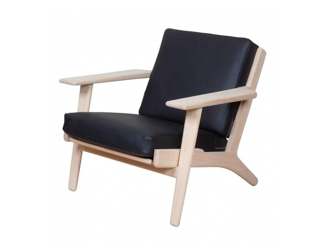 Wegner ge 290 lænestol i eg og sort læder