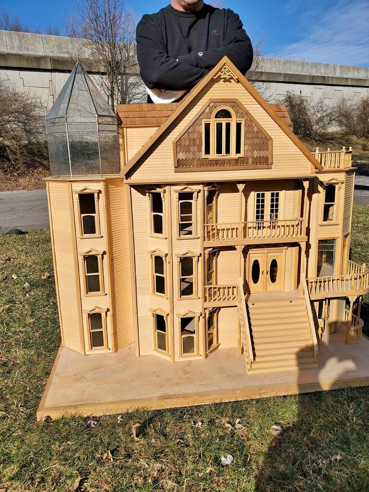 Image 1 - Vintage Dollhouse HUGE ONE OF A KIND VICTORIAN  MANSION-CHICAGO  MINIATURES SHOW