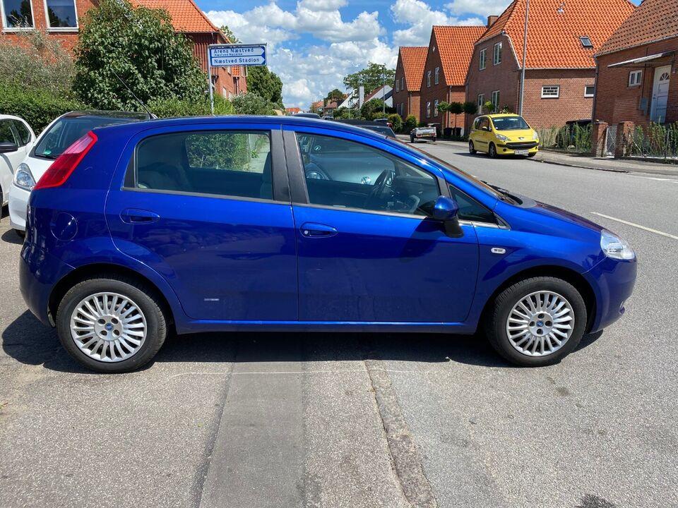 Fiat Grande Punto 1,4 Dynamic Benzin modelår 2007 km 189000