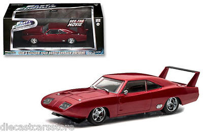 Dodge Charger Daytona Fast and Furious 6 rojo dom/'s 1//43 GreenLight modelo auto M
