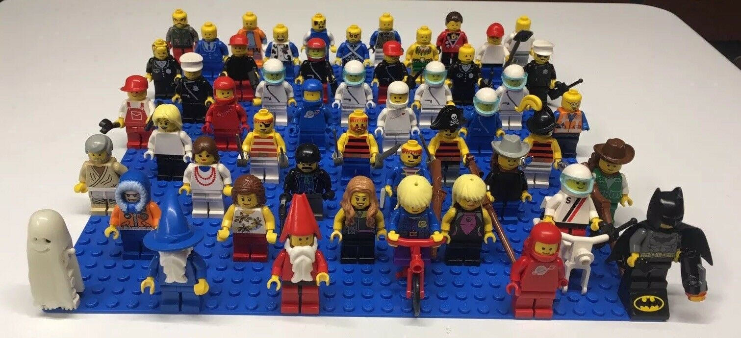 LEGO Minifigure Lot of 50 MINIFIGS & Accessories Batman Space Wizard Police