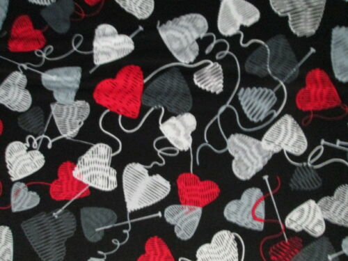 YARN BALLS HEARTS KNITTING NEEDLES KNITTERS GRAY WHITE RED COTTON FABRIC FQ