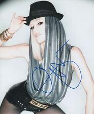"""Gwen Stefani """"No Doubt"""" Autogramm signed 20x25 cm Bild"""