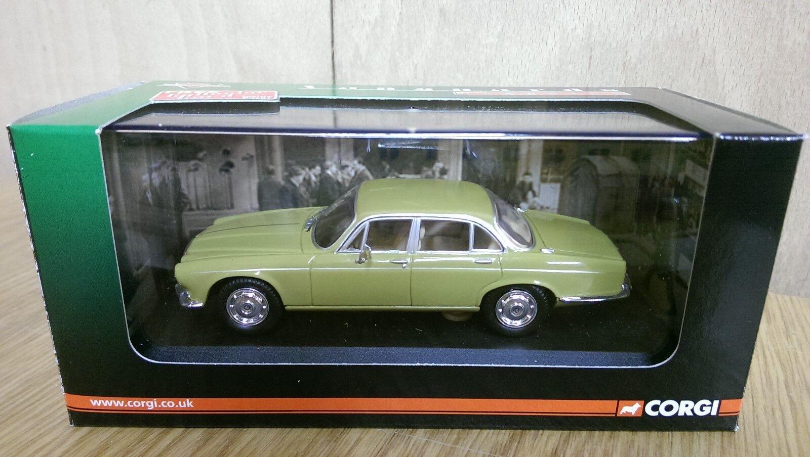 Corgi VA08804 Daimler Sovereign Greensand Ltd Edition No. 0002 of 2460
