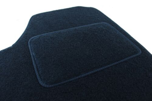 Velours Fußmatten Autoteppiche mit LOGO für FORD FOCUS 1998-2004 4tlg Bef oval