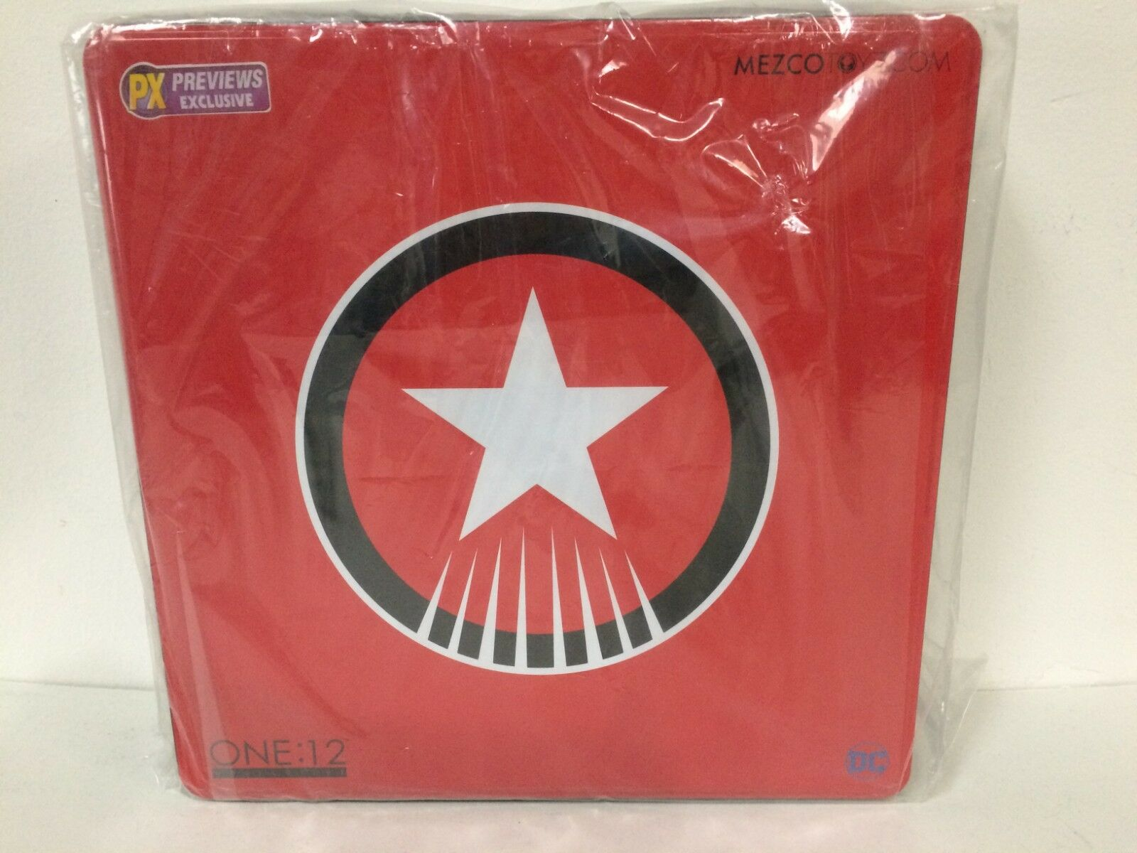 Mezco One 12 Collective rosso Son Superman PX Exclusive New & Sealed