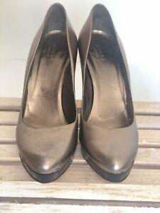 Gucci-Metallic-Leather-Pewter-Platform-Pumps-37C-EU-7-US-Classic-Heels-Silver