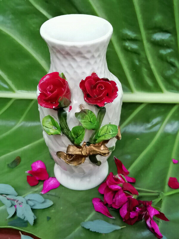 Beautiful small flower vase with roses