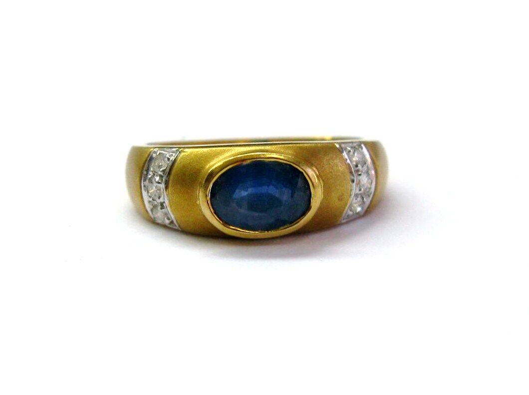 Fine Design bluee Sapphire Gem and Diamond Ring YG 18KT