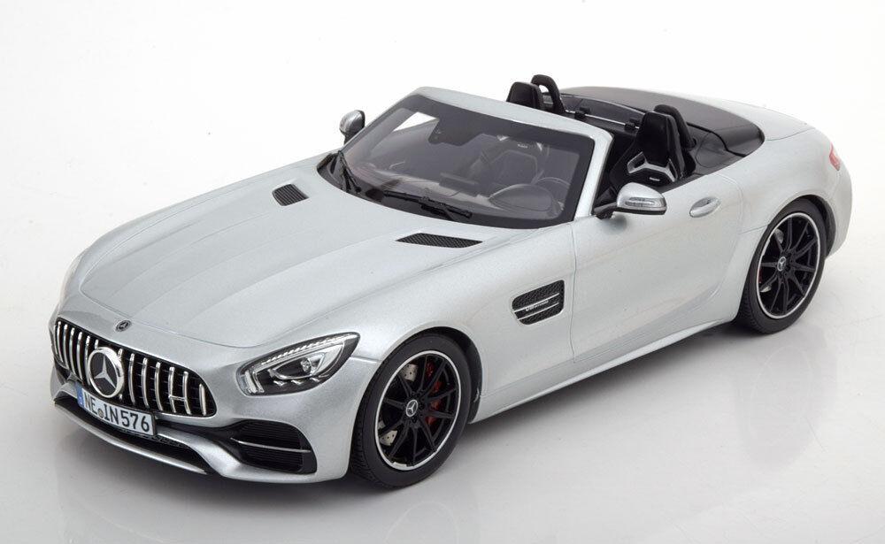 Norev 2017 Mercedes Benz AMG GT C Roadste Mate Plata 1 18 escala en la acción