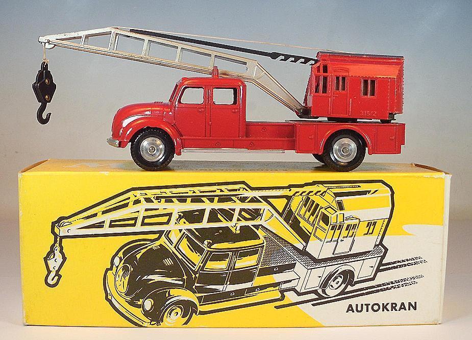 Carro de la grúa de Märklin 8031 Magirus Deutz rojo en el amarillo caja