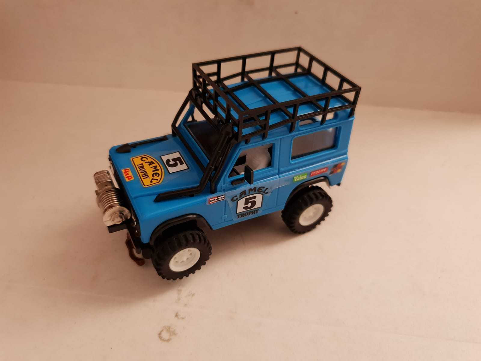 Scalextric Land Rover Sts light bluee