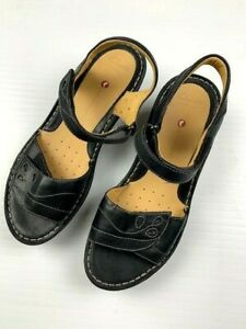 CLARKS-Artisan-Unstructured-Womens-Comfort-Wedge-Leather-Sandals-Size-9W-Black