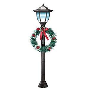 Solar Post Lantern With Holiday Wreath Christmas Walkway ...