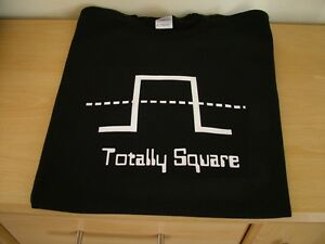 RETRO-SYNTH-T-SHIRT-SYNTHESISER-DESIGN-TOTALLY-SQUARE-S-M-L-XL-XXL