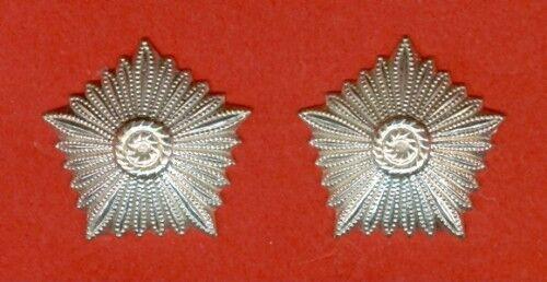 2 Originale Sterne für Schulterstücke Generale NVA VP  keine Neuanfertigung