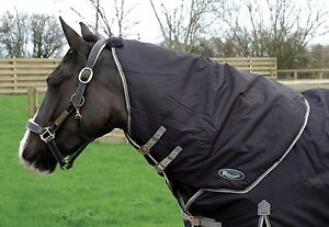 Details About Rhinegold Konig Medium Weight Turnout Rug With Detachable Neck Cover All Sizes