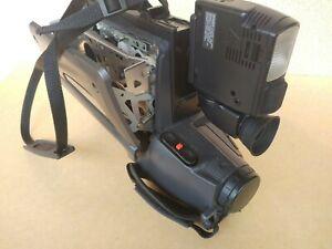 Caméscope VHSPalSecam Hitachi VM-2700ES pour pièces