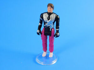 100 x Kenner Masque figures-Action Figure Display Stands-T7