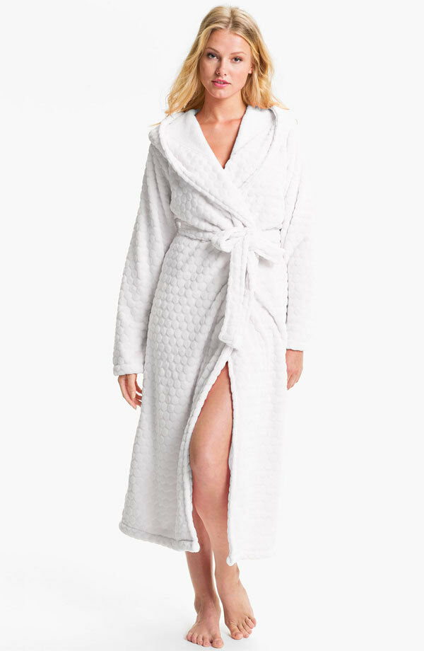 Nordstrom 'Snowball' Plush Robe (size L)
