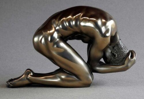 man poses BODY TALK 72468 Akt Skulptur-  knieender Athlet Figur L 15.00 cm
