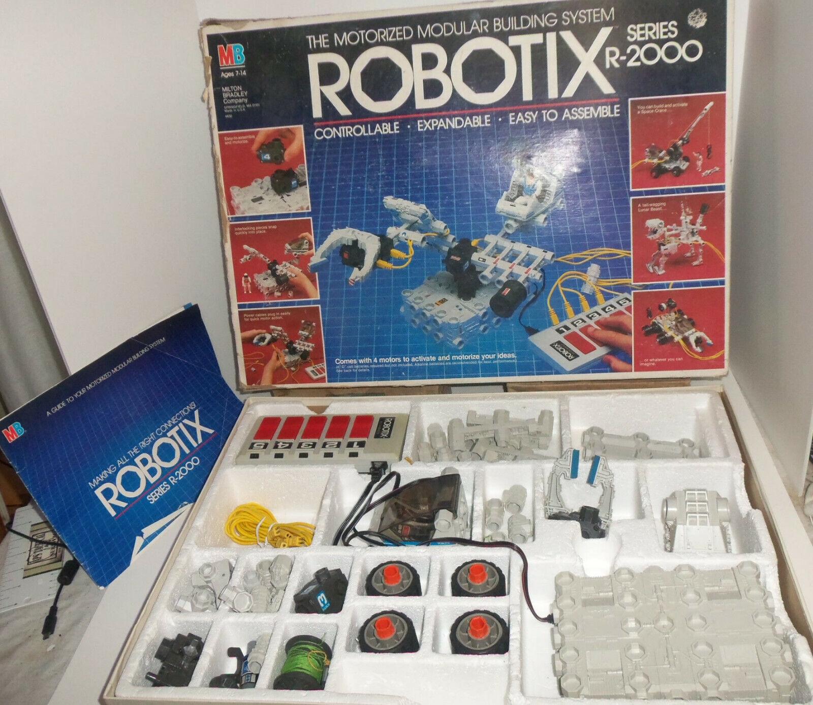 Robotix R-2000 Series Milton Bradley Argus Robot Motorized Building System  1985