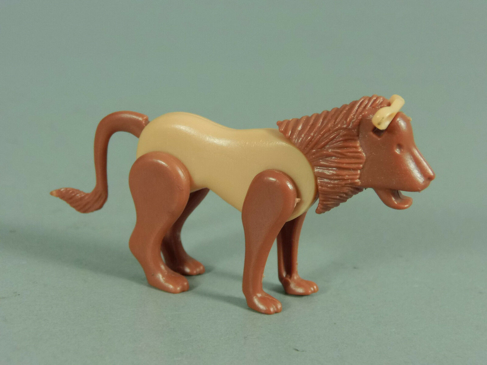 Plug Animals  Lion Eu 1983 - Version 2.1