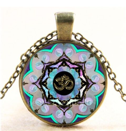 Vintage OM MOON Mandala Photo Cabochon Verre Bronze Chaîne Collier Pendentif