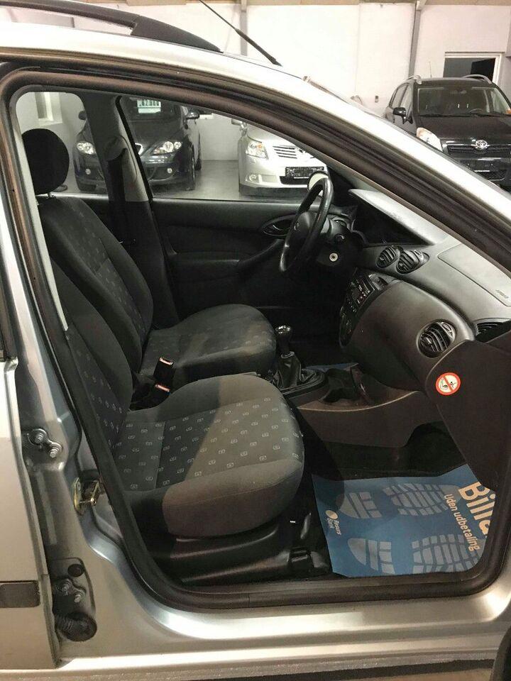 Ford Focus 1,6 Ambiente 100 stc. Benzin modelår 2004 km