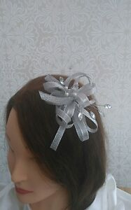 Stunning-shimmering-silver-grey-Fascinator-with-jewels-stunning-piece-NEW