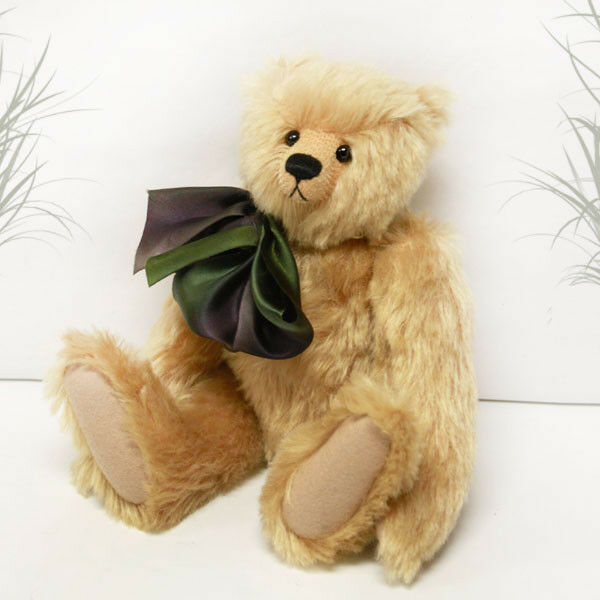 Chester by Cotswold Bears - Cooperstown Artist Bear Collection