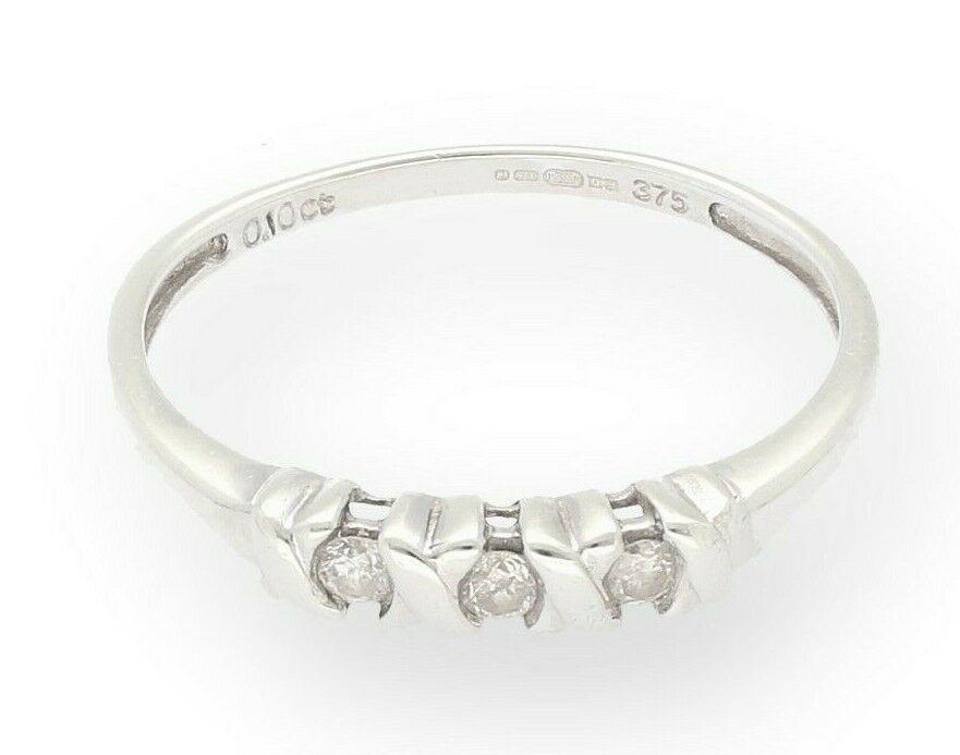 oro bianco bianco bianco 9 CARATI 0.10ct diamante tre-pietra anello (taglia m) 2mm di larghezza 562f7c