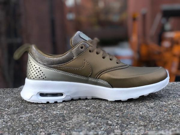 half off 6fb65 9597c Nike air max thea premio donne (misura 7,5 & & & 8) settore metallico 616723  902 | Moda Attraente | Uomo/Donna Scarpa 5d2840