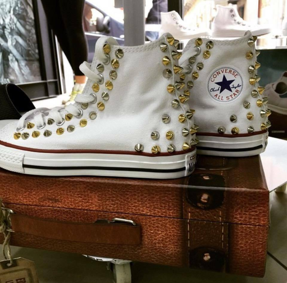 Converse All Argento Star Bianche Borchiate con Borchie a punta Argento All e Oro Alternate 25a32c