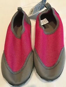 NWT Kids Water Shoes Size 3-4 L   eBay