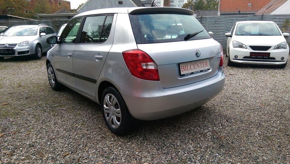 Skoda Fabia 1,2 12V Ambiente Benzin modelår 2012 km 152000