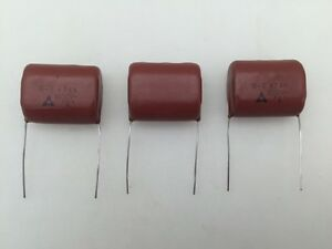100 Panasonic ECQE6563KF .056uF 630V 10/% Radial Metallized Polyester Capacitors