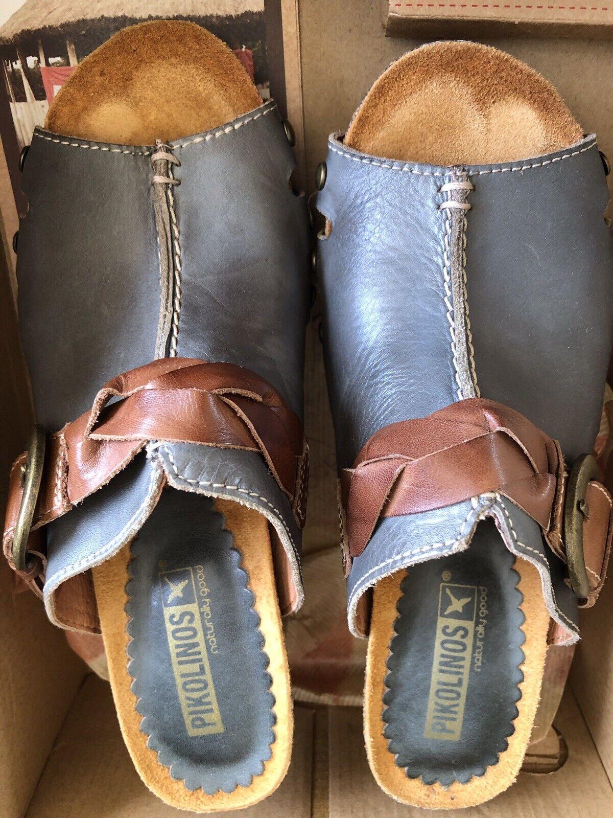 Pikolinos Leather Wedge, Size Euro 37