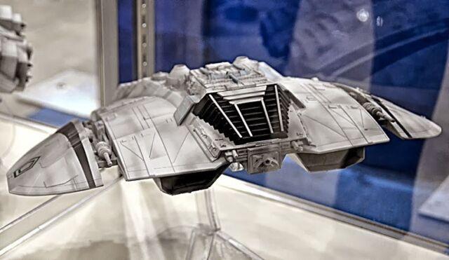 Battlestar Galactica Classic Cylon Raider Prefinished Model Kit Moebius Models MMK2941