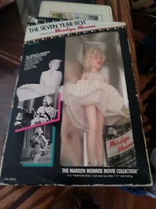 Vintage-20th-Century-Fox-MARILYN-MONROE-THE-SEVEN-YEAR-ITCH-Doll-amp-Original-box