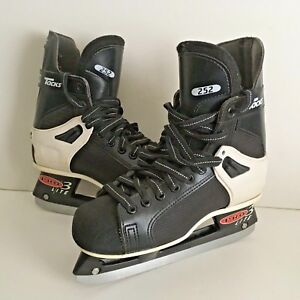 CCM-TACKS-252-Pro-Lite-3-Jr-Ice-Hockey-Skates-Jr-Size-4-Very-Good-Condition