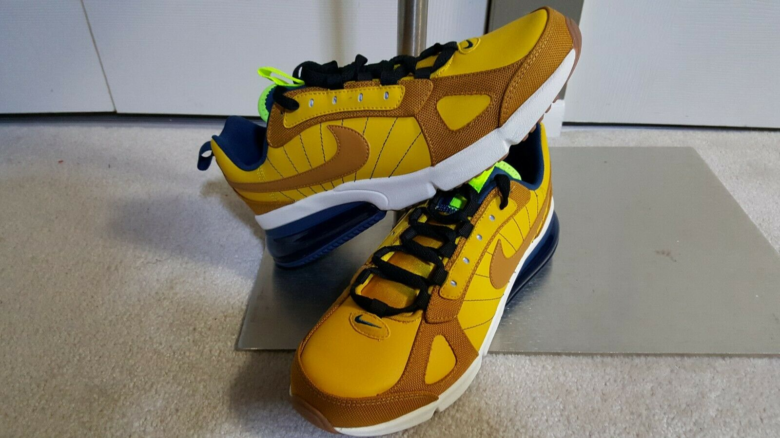 Neu Nike Herren Air Max 270 Futura Textil Turnschuhe Größe 9