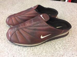 scarpe da skate ultima moda Garanzia di qualità al 100% Dettagli su NIKE LIBRETTO MOC SCARPE APERTE SABOT SLIDERS SLIPPERS 302245  621 BURGUNDY